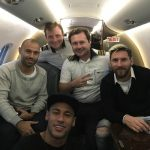 Messi và Mascherano đi nhờ chuyên cơ của Neymar đến Brazil