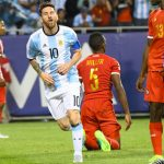 Messi lập hat-trick siêu tốc, Argentina vào tứ kết Copa America