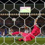 Iniesta muốn sút 11m cho Tây Ban Nha trước khi Ramos đá hỏng