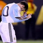 Messi chia tay đội tuyển Argentina