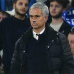 Mourinho lạnh nhạt và rời xa học trò trên sân tập Man Utd
