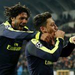 Ozil ghi siêu phẩm, Arsenal sớm qua vòng bảng Champions League