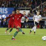Danh thủ sáng tạo cú sút Panenka thách đố Ronaldo