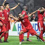 HLV Riedl nổi giận, mắng mỏ cầu thủ Indonesia trong phòng thay đồ