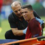 Ronaldo bật khóc rời sân trong trận chung kết Euro 2016