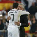 HLV Ancelotti viết về 'một Ronaldo rất khác'