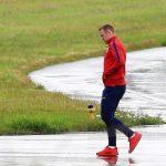 Tuyển Anh lầm lũi về nước sau khi thua sốc Iceland
