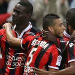 Balotelli hứa lái máy bay trực thăng nếu Nice vô địch Pháp