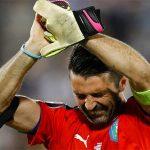 Buffon bật khóc vì vỡ mộng Euro