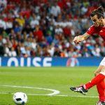 Ronaldo bị gạt khỏi đội hình tiêu biểu vòng bảng Euro 2016