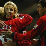 Diego Forlan: 'Pogba còn lâu mới bằng Scholes'