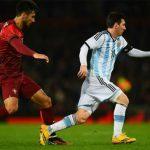 Đồng đội của Ronaldo khen Messi hết lời