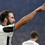 Higuain nổ súng vào lưới Napoli, Juventus giữ ngôi đầu Serie A