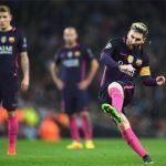Báo Tây Ban Nha đưa tin Messi vượt Ronaldo giành Quả bóng Vàng