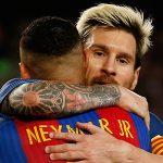 Neymar vào top 10 'ông hoàng lương bổng' nhờ ký mới với Barca
