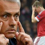 Mourinho nổi giận vì Schweinsteiger từ chối rời Man Utd