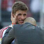 Muller không ngạc nhiên khi Guardiola gặp khó tại Man City