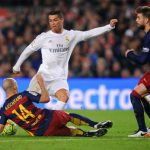 Figo: 'Ronaldo có thể gia nhập Barca'