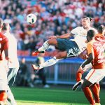 Ibrahimovic lập siêu phẩm ngay trận ra mắt Man Utd