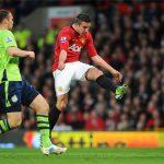 Van Persie được tôn vinh nhờ một siêu phẩm ghi bàn cho Man Utd