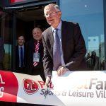 Sir Alex hối hận vì xây phòng tập gym khép kín cho Man Utd