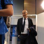 Zidane đổi cỡ quần để tránh bị rách lần thứ ba liên tiếp