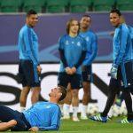 Ronaldo suýt dính chấn thương trước trận gặp Wolfsburg