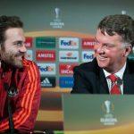Van Gaal muốn cầu thủ Man Utd đá như 'hứng tình'