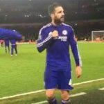 Fabregas khiêu khích CĐV Arsenal trước khi rời sân