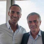 Rio Ferdinand mừng Mourinho đến Man Utd