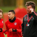 Van Gaal không bị sa thải sớm dù Man Utd hết hy vọng danh hiệu