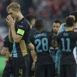 Arsenal làm thế nào để đi tiếp tại Champions League