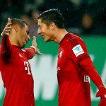Lewandowski ngang bằng Ronaldo trong cuộc đua Giày vàng
