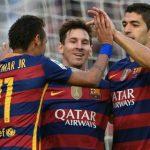 Messi, Neymar chê cười kỹ thuật chạm bóng của Suarez