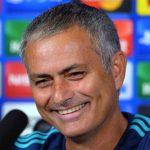 Mourinho muốn Arsenal bị loại, Olympiakos giành vé đi tiếp