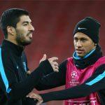Suarez suýt lỡ chuyến bay tới London vì quên hộ chiếu