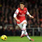 Ozil trở thành cầu thủ kiến tạo hay nhất lịch sử Ngoại hạng Anh