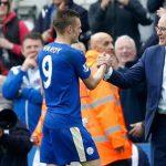 HLV Ranieri cấm Vardy tập sút