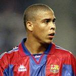 Suarez qua mặt Ronaldo trên bảng thành tích lịch sử của Barca