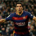 Suarez từng suýt mất việc sau năm trận tịt ngòi