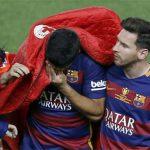 Suarez suýt khóc vì dính chấn thương nặng
