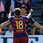 Suarez lập hat-trick, Barca lên ngôi vô địch Liga 2015-2016