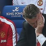 Leicester có thể lên ngôi tại Old Trafford, khiến Van Gaal bị sa thải