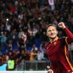 Totti ghi cú đúp trong ba phút, Roma ngược dòng ngoạn mục