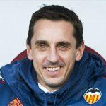Gary Neville giành chiến thắng đầu tiên với Valencia