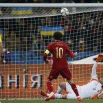 Fabregas sút hỏng 11m dưới sự chứng kiến của Mourinho