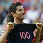 Lewandowski ghi cú đúp, Bayern tăng cách biệt với Dortmund