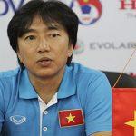 HLV Miura: 'Không vì chỉ trích mà đổi lối chơi của tuyển Việt Nam'