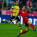 Lewandowski ghi 12 bàn trong 12 ngày, Bayern đè bẹp Dortmund