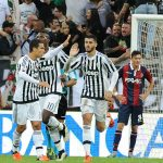 Juventus thắng trở lại, Milan thảm bại trước Napoli